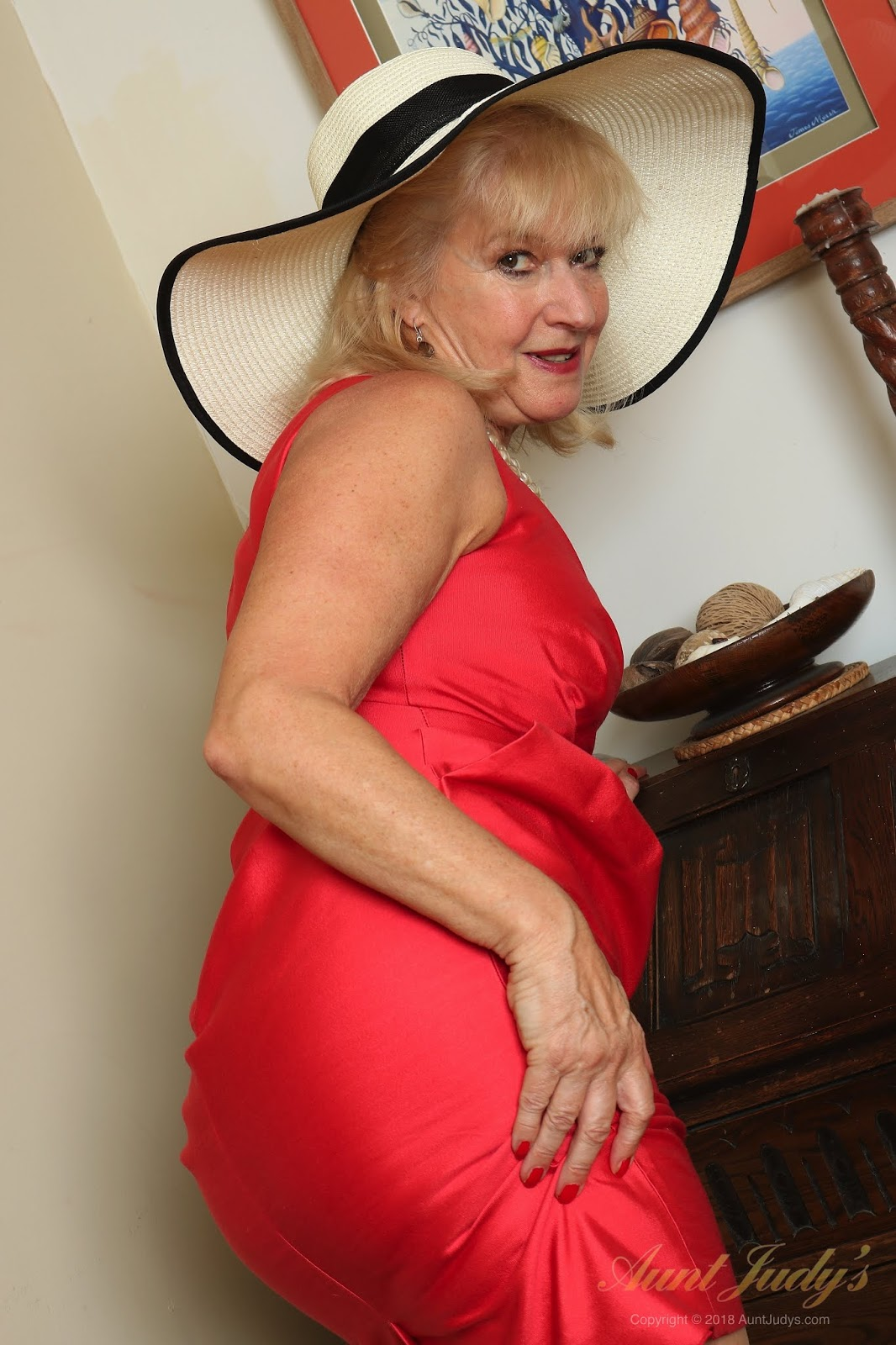Older Hairy Women Pictures