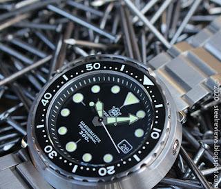 Steel Dive SD1975 Seiko Tuna homage