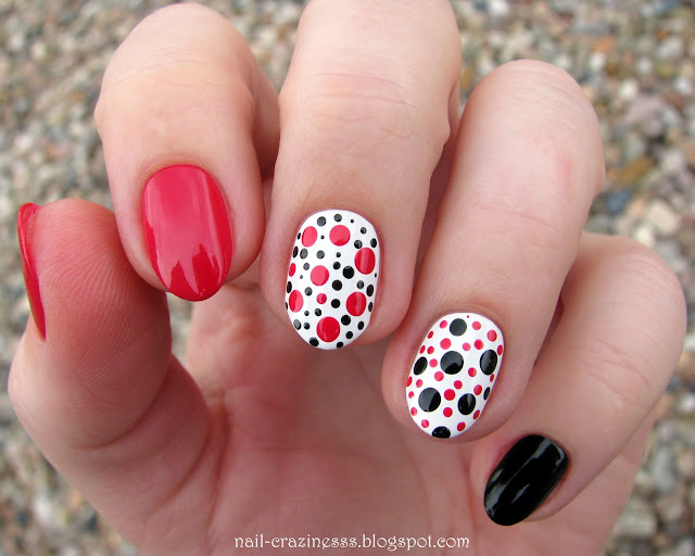 dots, black red white