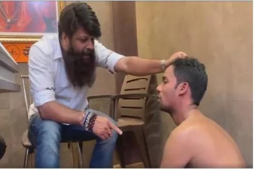 तरुणींची छेडछाड काढणाऱ्याला नितीन नांदगावकरांनी नागडा करून दिला चोप, पाहा VIDEO| Nitin Nandgaokar Shivsainik Mumbai