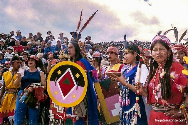 Elenco em trajes incas para a Festa do Sol, em Cusco