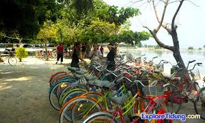 paket wisata pulau tidung menyediakan sepeda selama 2 hari 1 malam