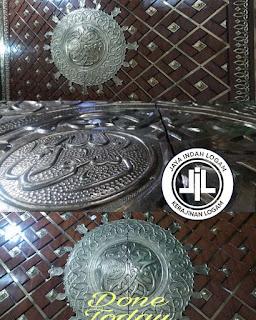 Kerajinan tembaga dan kuningan replika pintu nabawi