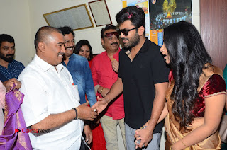 Shatamanam Bhavati Team at Sandhya Theater  0120.JPG