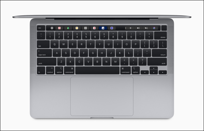 Magic Keyboard على جهاز MacBook Pro مقاس 13 بوصة