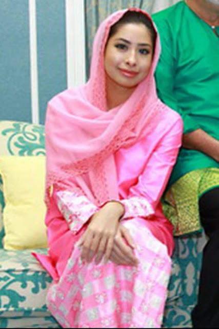 Gambar Tunku Tun Aminah Puteri Sultan Johor