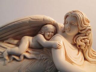 透過天使數字給你平靜 (800-899)
