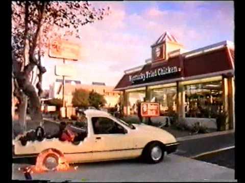 El demencial anuncio ochentero de KFC en el que una familia se comía un coche.