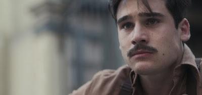 O ator Nicolas Prattes interpreta Alfredo no remake de Angela Chaves: ocupará o lugar do pai em loja