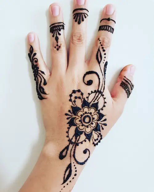 Dot-and-flowers-mehndi-design