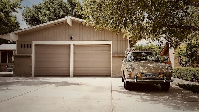 How to Find A Garage Door Repair Service?
