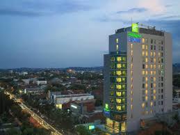 Harga Hotel di Semarang : Holiday Inn Express Semarang Simpang Lima