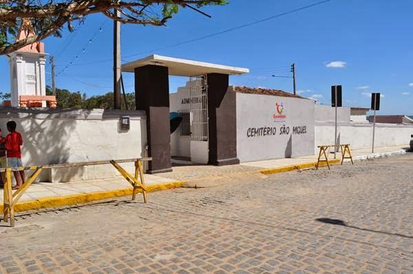 Resultado de imagem para Cemitério São Miguel, em Garanhuns
