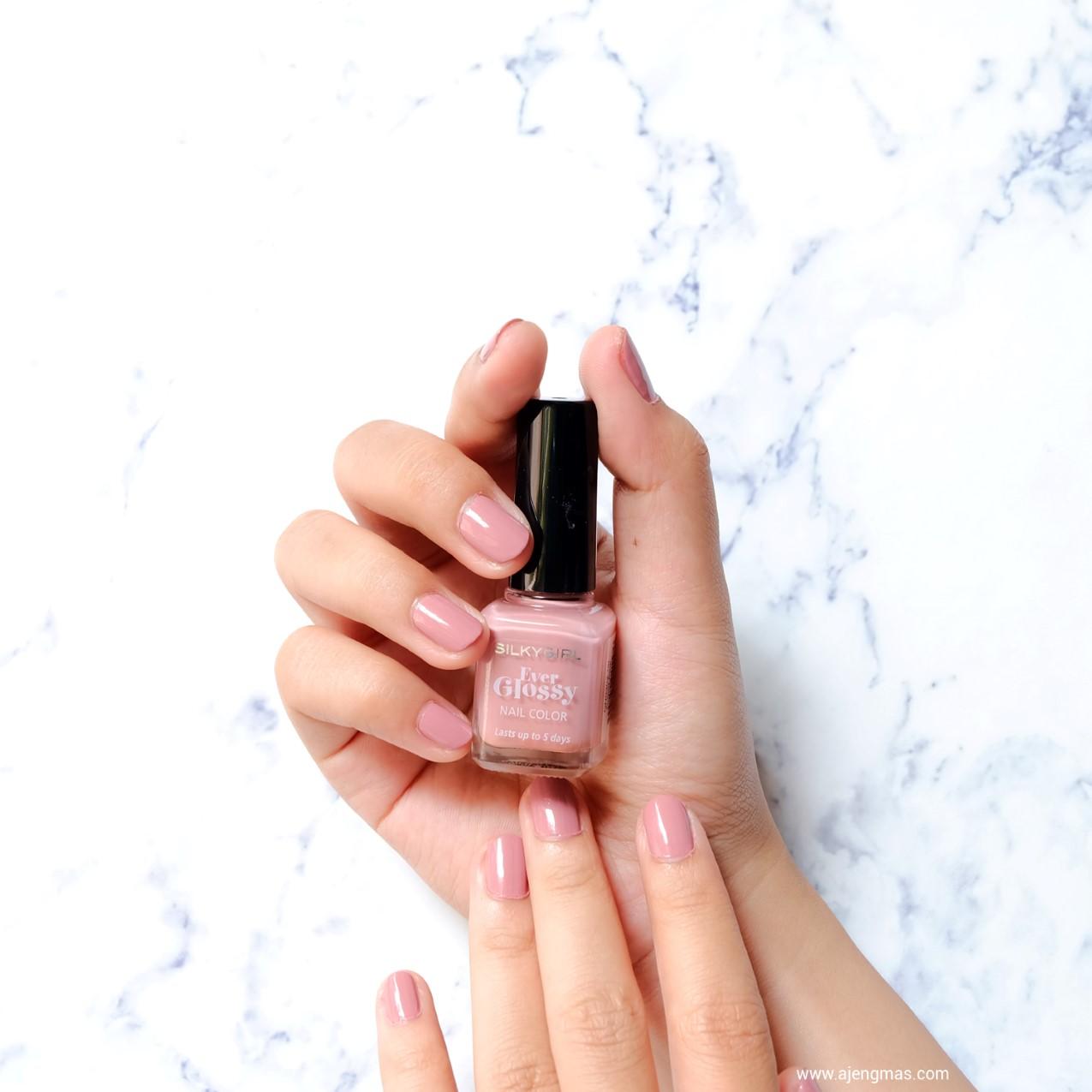 kutek-murah-silky-girl-ever-glossy-nail-color-pink-nude-ajengmas