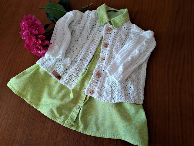 Biały, letni sweterek dla Małej Królewny