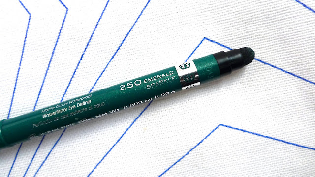 Rimmel Exaggerate Waterproof Eye Definer in Emerald Sparkle | Review eyeliner makeup