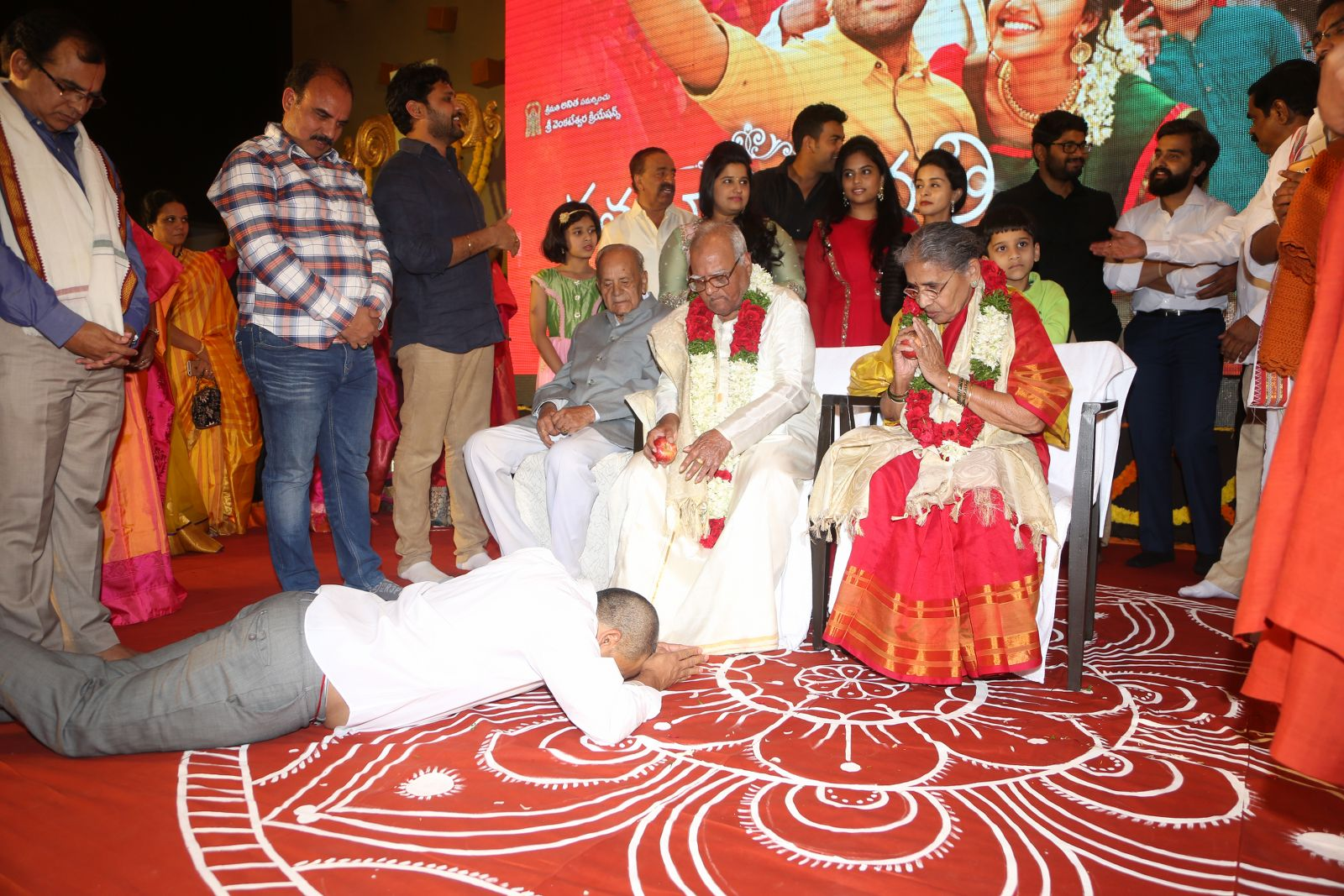 shatamanam bhavathi success meet-HQ-Photo-14