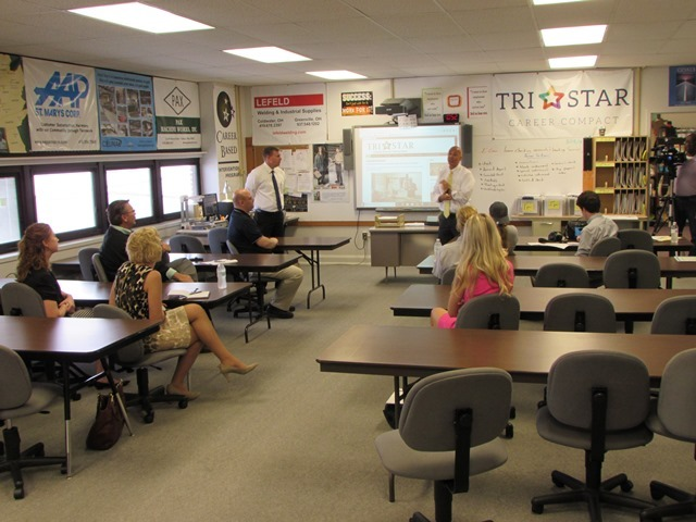 Don Berry (right) and Scott Albers (left) talk about their Tri Star CBI classes
