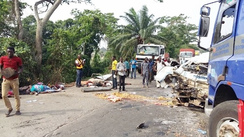 Graphic Photos of Over 10 Passengers Killed as Bus Collides with Truck on Lagos-Ibadan Expressway