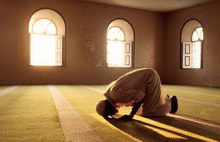 Batasan Waktu Sholat Fardhu yang Tertulis Dalam Al Qur`an