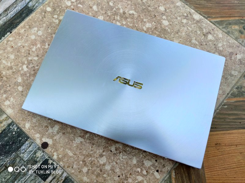 Asus Zenbook 14 UM431DA AM701T Review: Menakar Performa Ryzen 7 3700U