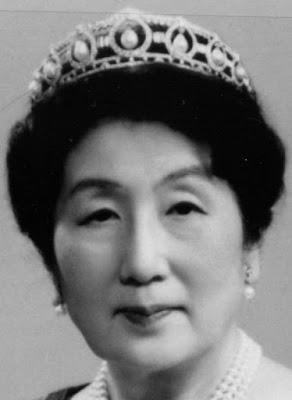 pearl drop tiara japan mikimoto princess chichibu sesuko