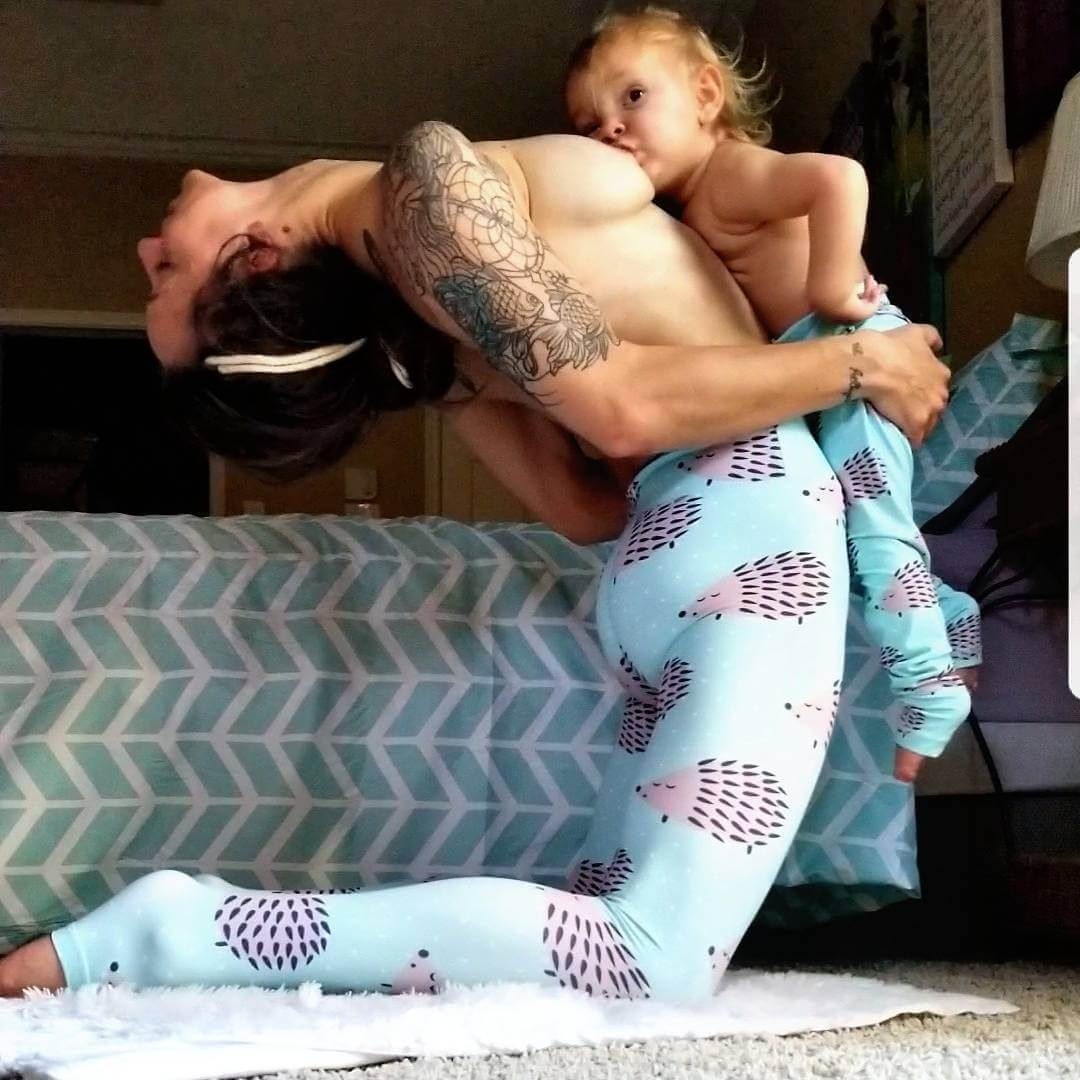 Mind-Blowing Pictures Of Woman Who Is Doing Yoga Poses While Breastfeeding Her Baby