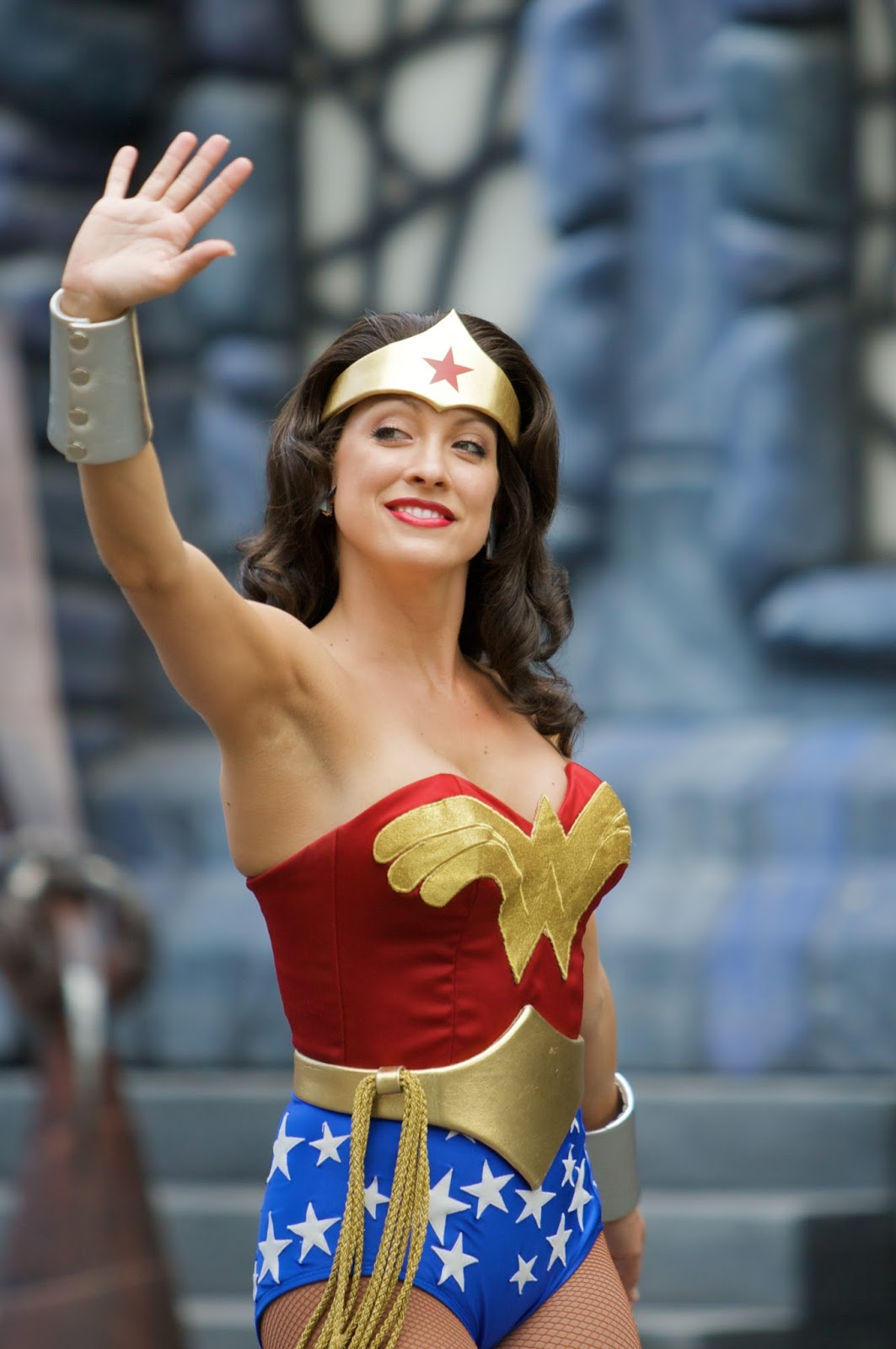 Wonder Woman Cosplay (Comic Heroines!)