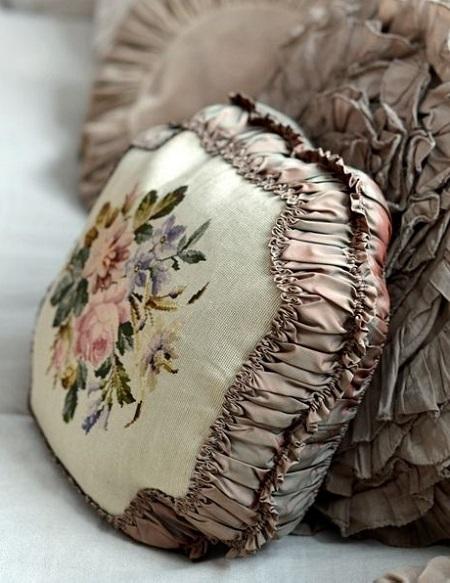 Decoração com almofadas pintadas