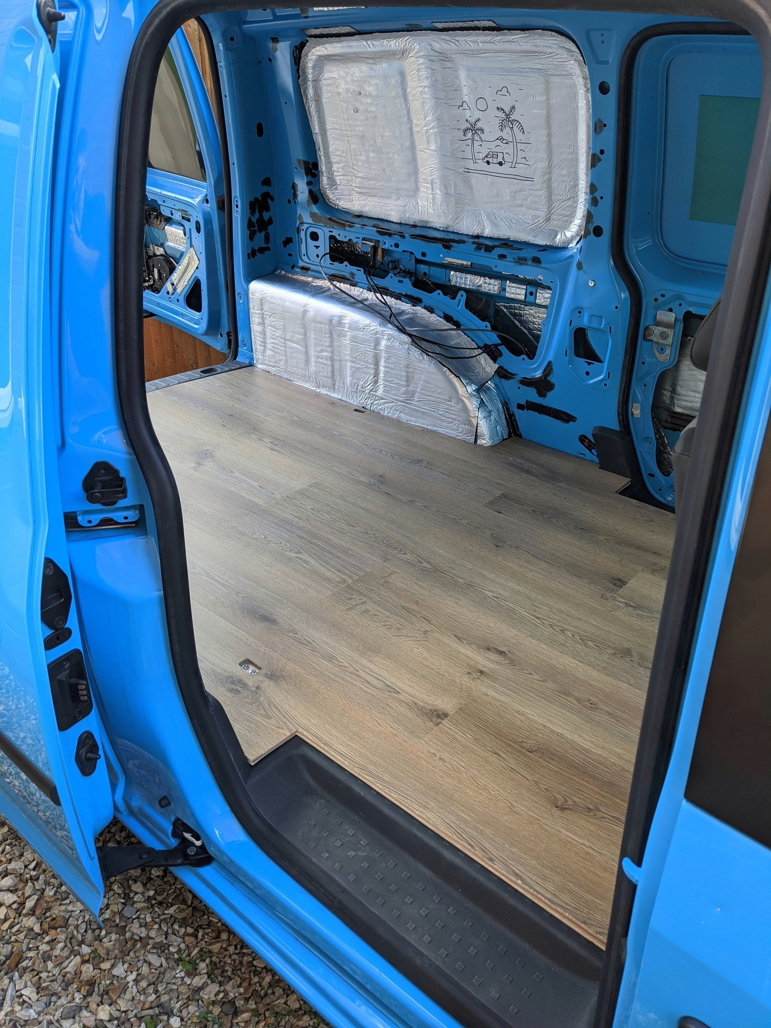 Laminating the floor of a VW Caddy Camper