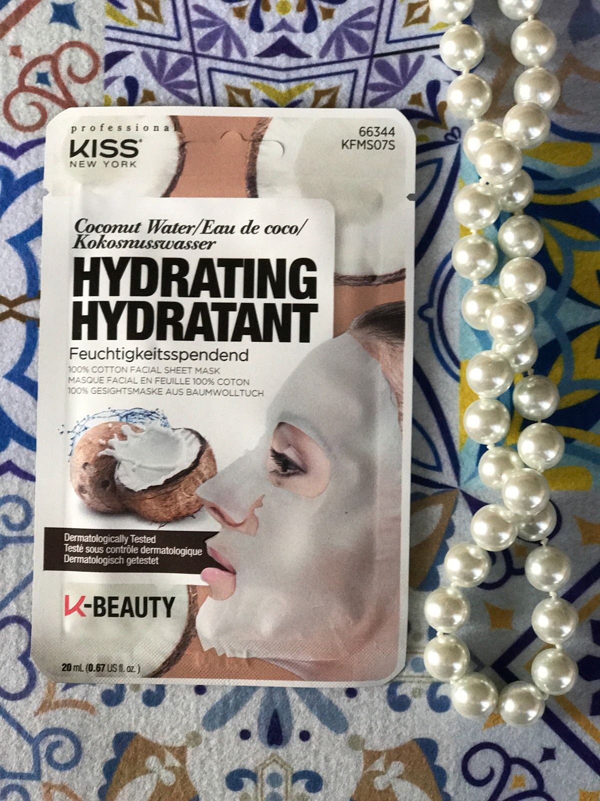Coconut Water Mask Hydrating KISS review recensione