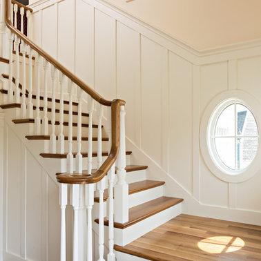 Desain Tangga Rumah Mewah Putih