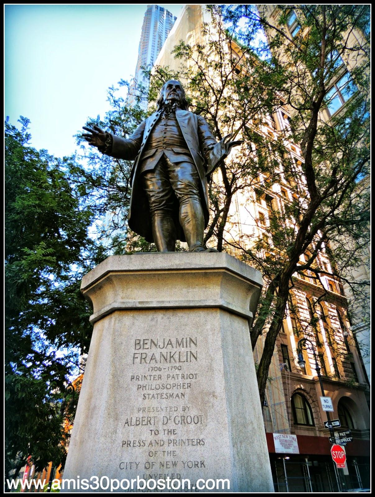 Segunda Visita a Nueva York: Escultura de Benjamin Franklin en el Ayuntamiento