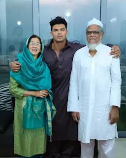 sahil khan family