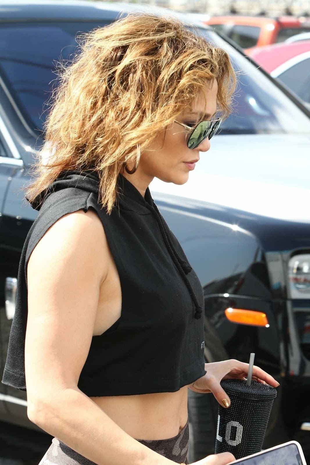 Jennifer Lopez Looks Hot in Tights