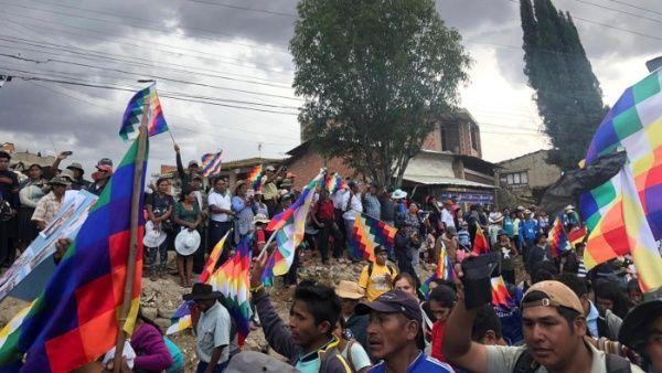 Sube a 10 cifra de muertos por represión en El Alto, Bolivia