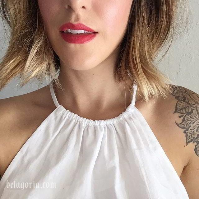 foto de modelo con tatuaje