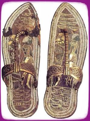 обувь с надписями