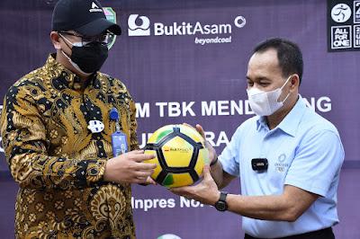 SM CSR PTBA Hartono : 488 Bola Ini Merupakan Sumbangsih dan Komitmen Perusahaan Mendukung Pemprov
