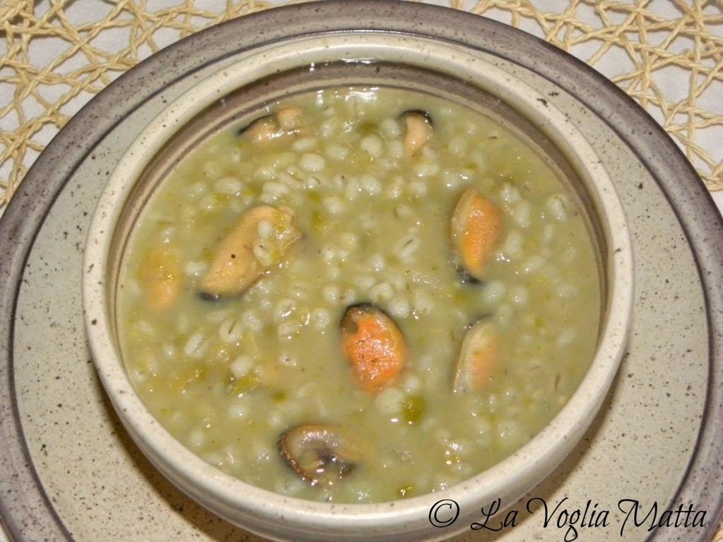 minestra d' orzo piselli lenticchie e cozze