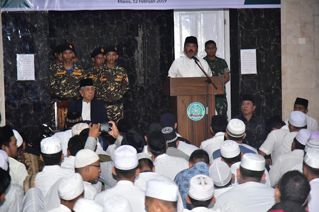 Dihadapan 1.000 Santri Makassar, Panglima TNI Ajak Santriawan Amalkan Islam Secara Kaffah