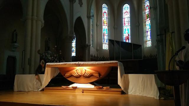 l'autel dépouillé du jeudi saint