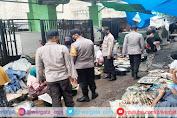 Polsek Tanjung Polres Lombok Utara Himbau Pengunjung Pasar Patuhi Prokes