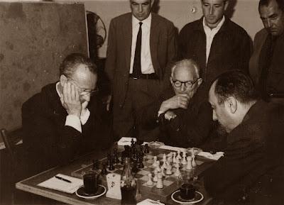 Partida Lladó-Calduch, 2ª ronda del I Torneo Nacional de Ajedrez de Granollers 1964 (3)