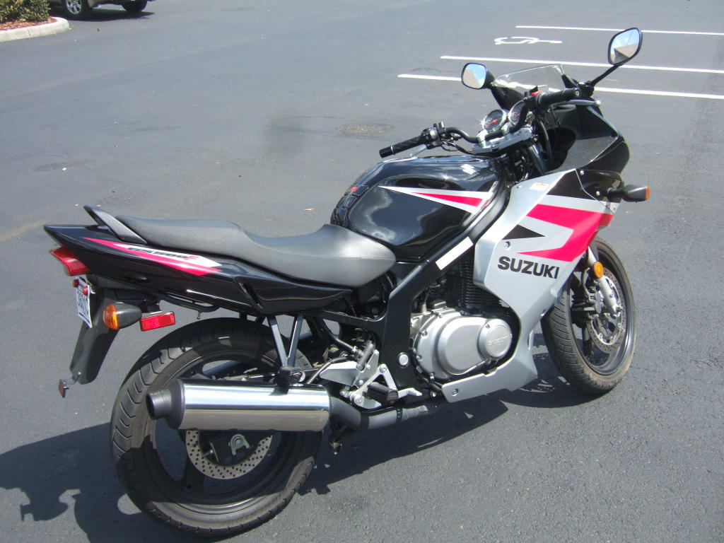 motorcycles the suzuki gs 500 f is the ideal. Black Bedroom Furniture Sets. Home Design Ideas