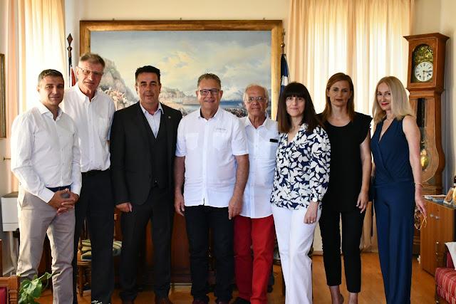 Επίσκεψη αντιπροσωπείας της αδελφοποιημένης πόλης Martingas στο Δήμο Ναυπλιέων
