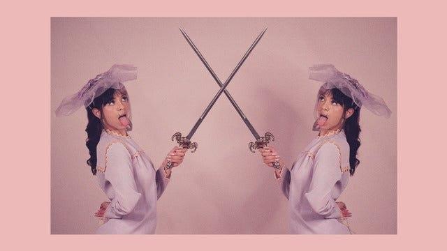 """Ouça agora """"Copy Cat"""", o novo single de Melanie Martinez em parceria com Tierra Whack"""