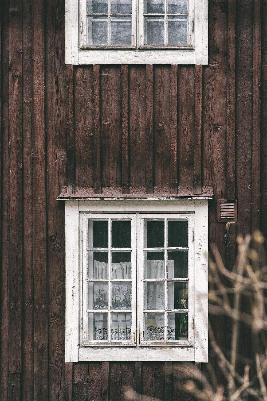 Billnäs, Raasepori, Pohja, Karjaa, Suomi, Finland, Finlandphotolovers, arkkitehtuuri, architecture, Visualaddict, valokuvaaja, Frida Steiner, nature, outdoors, valokuvaus, vanha rakennus, vanhat rakennukset, old buildings, ruukin alue, Ruukki, Billnäsin Ruukki, rouhea, vanha, Uusimaa, visit finland, ikkunat, punamulta, puutalo