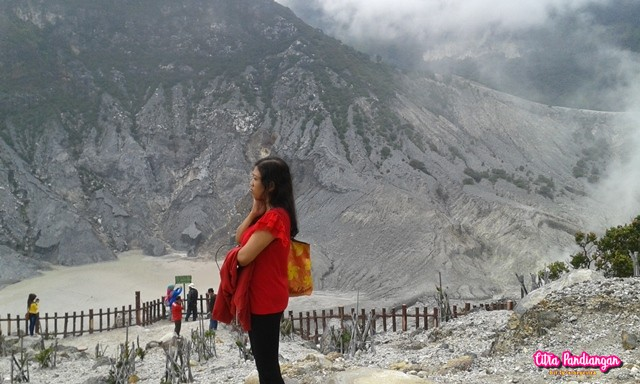 The Story of an Adventure to Tangkuban Perahu, Bandung