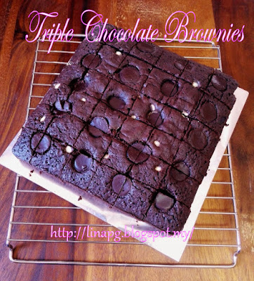 TRILPE CHOCOLATE BROWNIES, BROWNIES SEDAP, BROWNIES SENANG BUAT, CARA BUAT BROWNIES, BROWNIES BAKAR, BROWNIES TAK GUNA MIXER, BROWNIES MEWAH DENGAN COKLAT